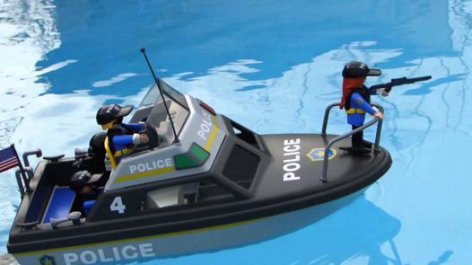 bateau de police