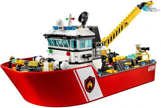 bateau de pompier lego