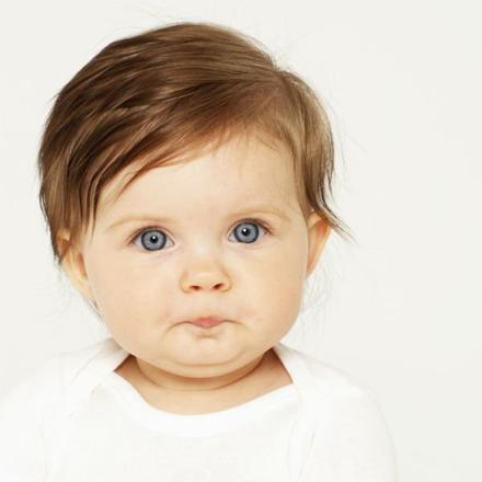 bebe fille brune