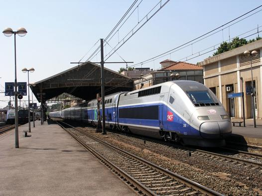 beziers carcassonne train