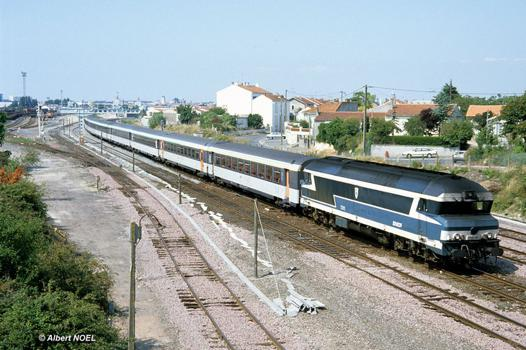bordeaux nantes train
