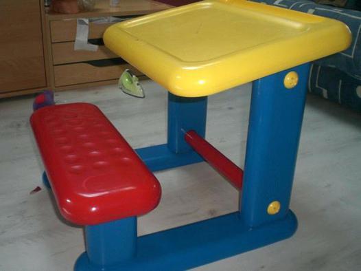 bureau enfant plastique