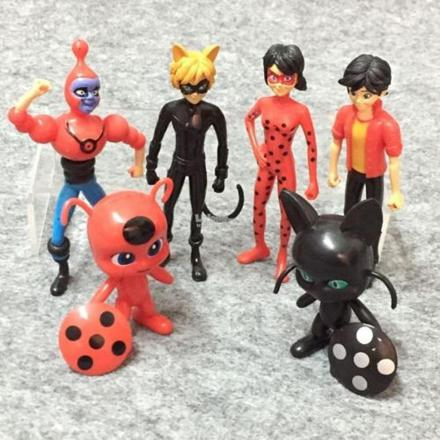 figurine ladybug