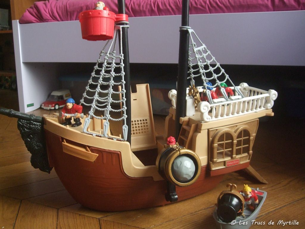 fisher price bateau pirate
