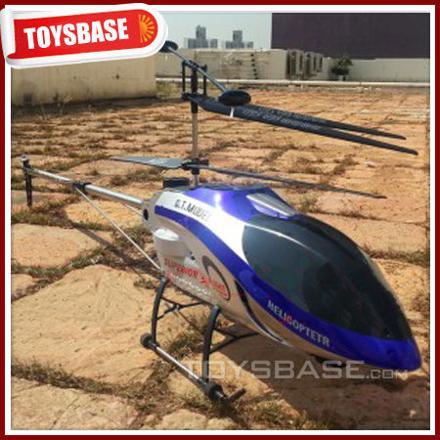 gros hélicoptère télécommandé