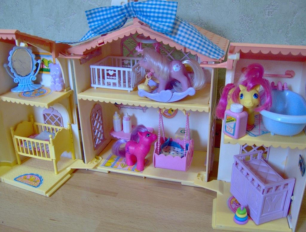 maison petit poney