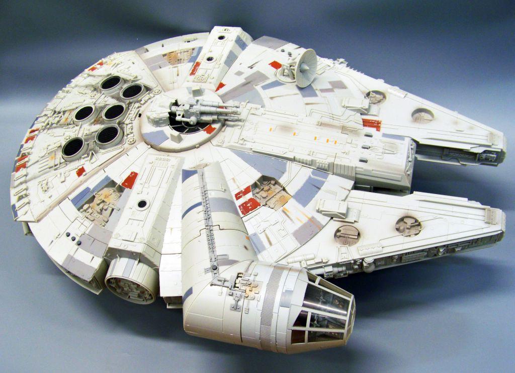 millenium falcon hasbro