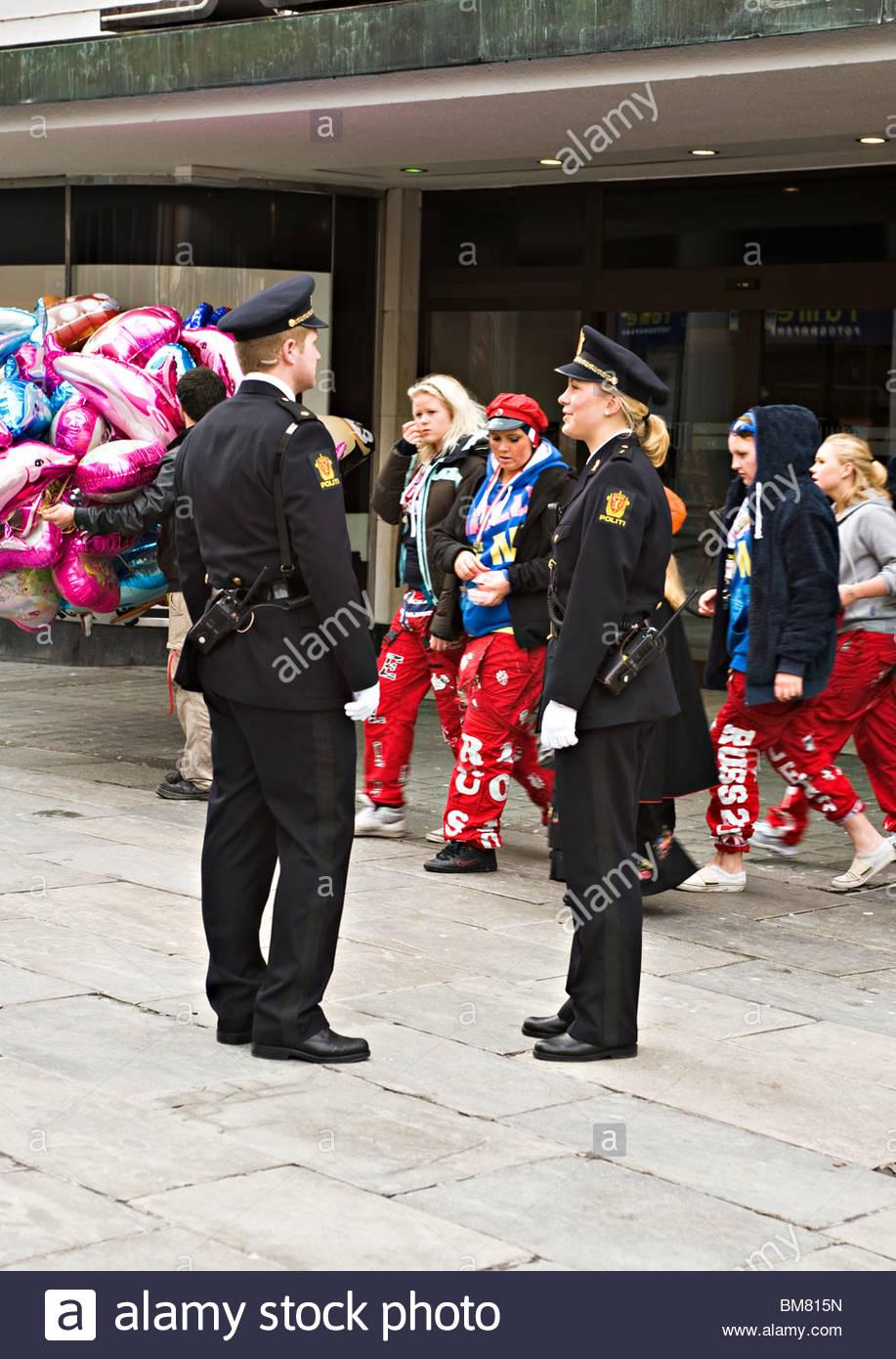 parade chat