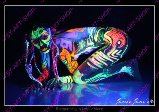 peinture corporelle phosphorescente
