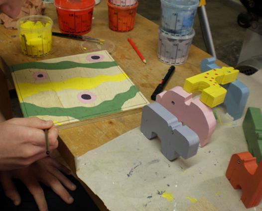 peinture pour jouet en bois