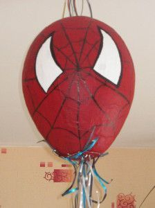 pinata spiderman maison
