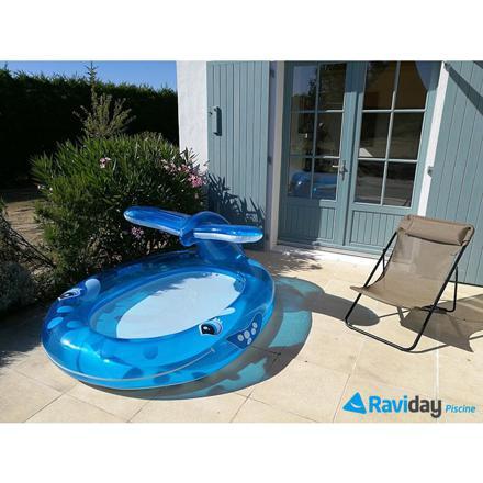 piscine avec jet d eau