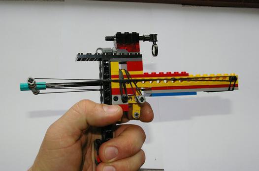 pistolet lego qui tire