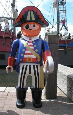 playmobil géant pirate