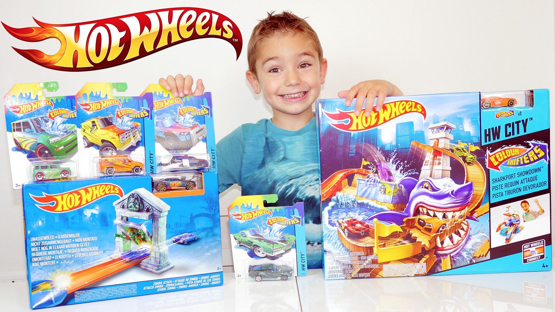 requin attaque jouet