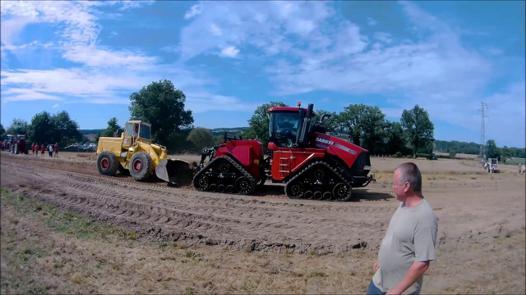 tracteur rouge video