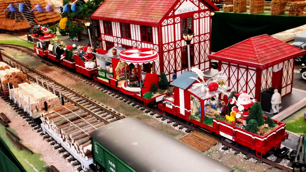 train miniature pour village de noel
