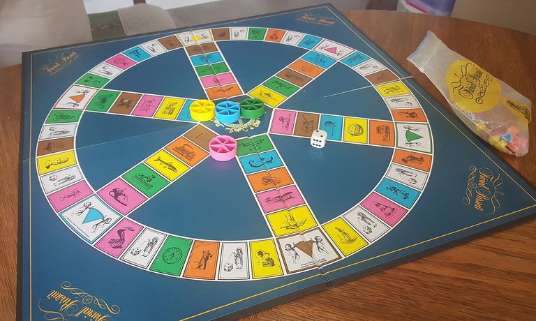 trivial pursuit images