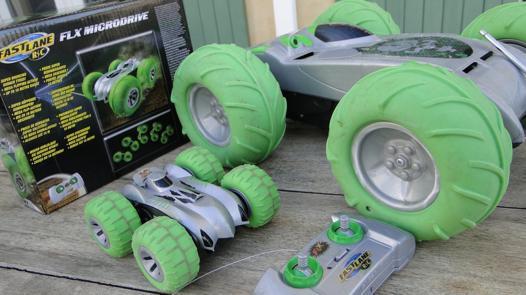 voiture télécommandée roues vertes
